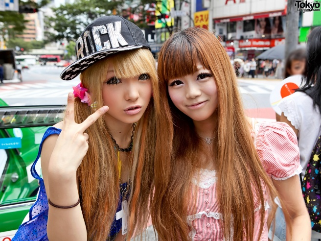 Fig. 8. A photograph of two young gyaru. Their fashion style emulates a broader Western culture, but remains uniquely Japanese in much the same way the moga of the past was. Blonde Shibuya Gyaru, Tokyo Fashion, July 28, 2011. https://www.flickr.com/photos/tokyofashion/5983440678.